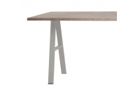 Pied de table en